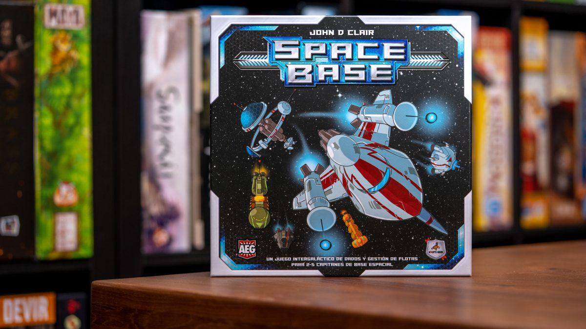 Space Base + Tímido Plutón [Reseña]
